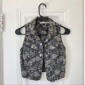 Kimchi Blue B&W Floral Denim Cropped Vest